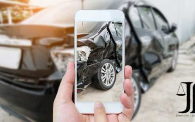 6 Crash Scene Essentials – How to Protect Yourself
